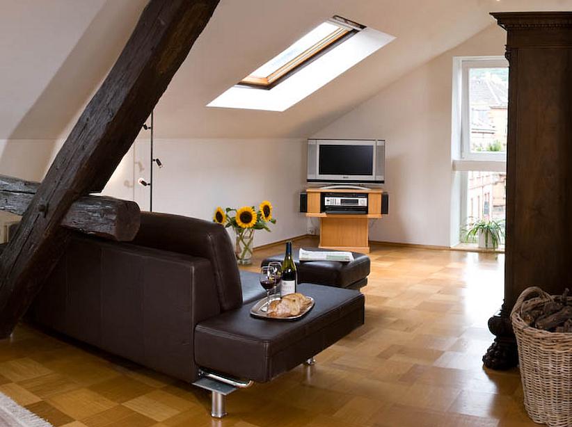 Ihre Freundlichen Gastgeber Neustadt An Der Weinstrasse Ifg Online Unterkunftssuche Nach Ferienwohnungen Und Gastezimmer Apartment Stadtvilla Stadtvilla Neustadt