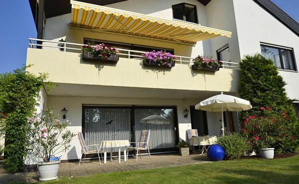 Garten und Terrasse - Ferienwohnung Haus Helga, Neustadt an der Weinstraße (Pfalz)