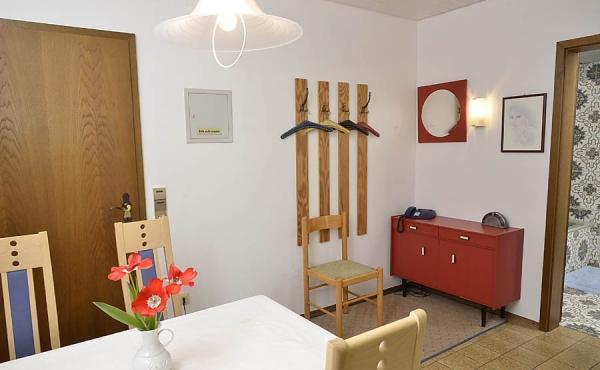 Essbereich und Flur - Ferienwohnung Haus Helga, Neustadt an der Weinstraße (Pfalz)