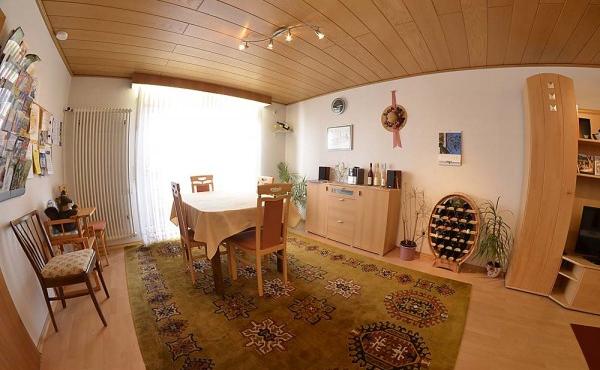 Wohn- und Essraum - Ferienwohnung Haus Vroni, Weindorf Königsbach, Neustadt / Weinstr. (Pfalz)