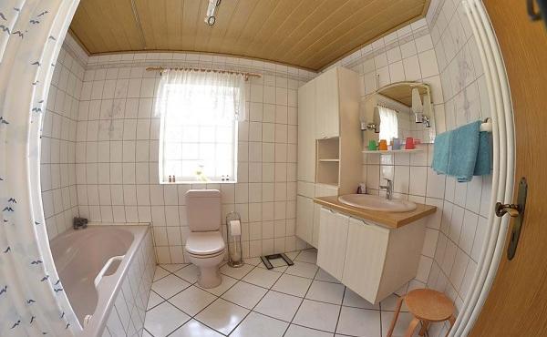 Bad - Ferienwohnung Haus Vroni, Weindorf Königsbach, Neustadt / Weinstr. (Pfalz)