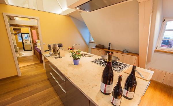 Küchenblock - Ferienwohnung Weindomizil im Hirschhorner Hof, Weindorf Königsbach, Neustadt an der Weinstraße (Pfalz)