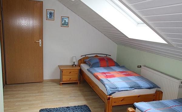 Schlafzimmer 2 - Maurers Ferienwohnung, Weindorf Lachen-Speyerdorf, Neustadt / Weinstr. (Pfalz)