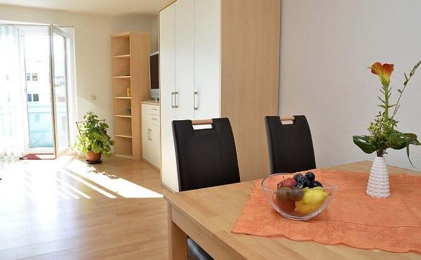 Ess- und Wohnbereich, Ferienwohnung Hohenzollern, Neustadt / Weinstraße - ruhige Citylage