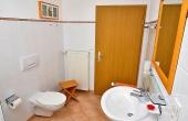 Schönes Bad mit Dusche / WC, Fewo Schlossbergblick - Haus am Schlossberg, Neustadt / Weinstr., Weindorf