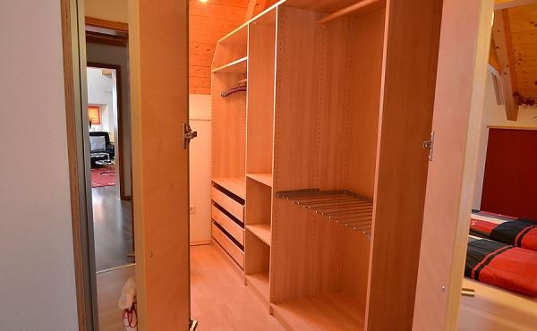 Ankleideraum - Haus Stachel, Apartment Dorsa, Neustadt / Weinstr., Weindorf Hambach