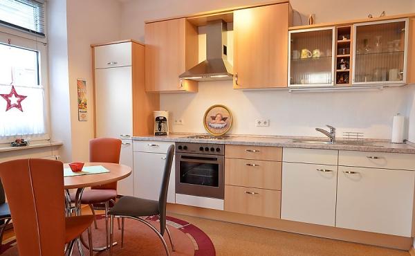 Wohn-Küche mit Esstisch - Appartment Vino, Ferienwohnungen Stachel