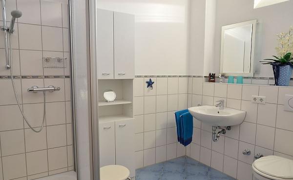 Bad mit Dusche/WC - Appartment Rubin, Ferienwohnungen Stachel