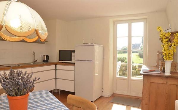 Küche mit Zugang zur Terrasse - Ferienwohnung Hof Albert, Weindorf Hambach, Neustadt / Weinstr. (Pfalz)