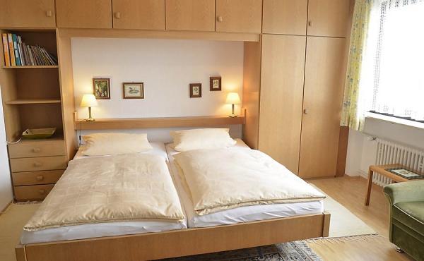 Schlafbereich mit Doppelbett - Apartment 2, Haus Panoramablick, Weindorf Haardt, Neustadt / Weinstr. (Pfalz)
