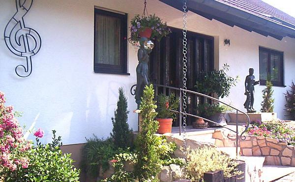 Haus Schlossblick - Ferienwohnung in Neustadt / Weinstr., Weindorf Gimmeldingen