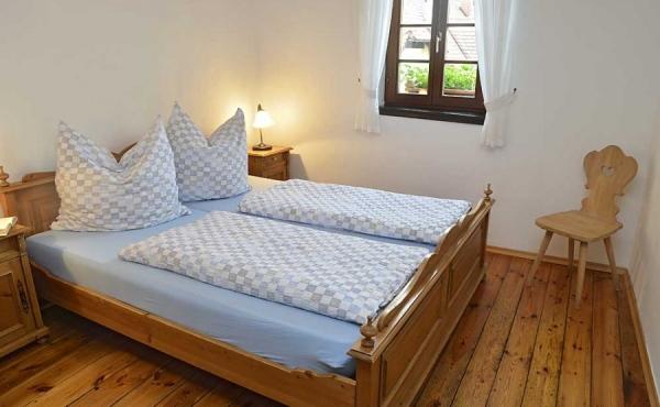 Schlafzimmer, unteres Geschoss - Ferienwohnung Meerspinne, Weingut Thomas Steigelmann, Gimmeldingen (Pfalz), Neustadt / Weinstr.