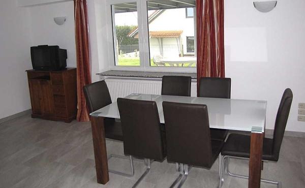 Esstisch - Ferienwohnung Haus Biengarten, Weindorf Gimmeldingen, Neustadt / Weinstr. (Pfalz)