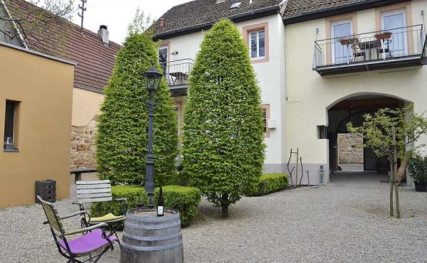Herrlicher, ruhiger Innenhof - Haus Mandelblüte, Weindorf Gimmeldingen, Neustadt / Weinstr. (Pfalz)