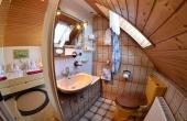 Das kleinere Schlafzimmer verfügt über ein eigenes Bad (Dusche, WC) - Ferienwohnung Haus Rebland, Weindorf Gimmeldingen / Königsbach, Neustadt / Weinstr. (Pfalz)