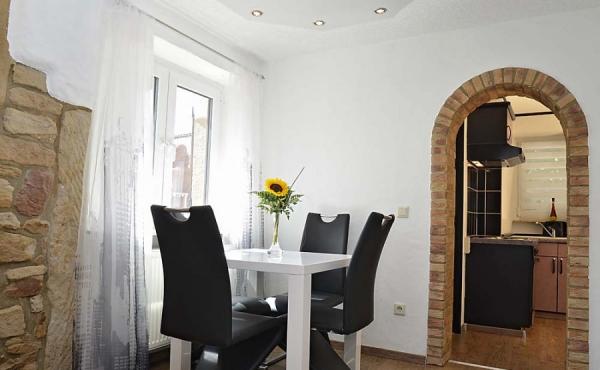 Essbereich - Apartment Palatia, Hof Rebenblüte, Weindorf Gimmeldingen, Neustadt / Weinstr. (Pfalz)