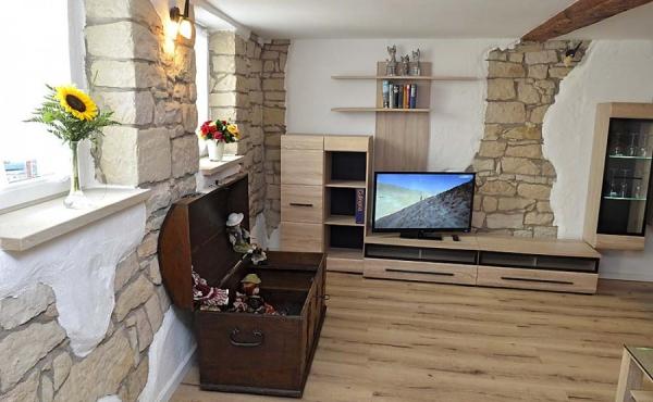Wohnzimmer, gemütlich und modern zugeich - Ferienwohnung Rustika, Hof Rebenblüte, Weindorf Gimmeldingen, Neustadt / Weinstr. (Pfalz)