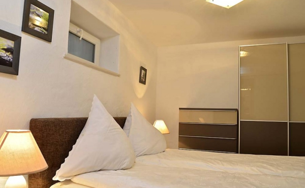 Schlafbereich - Apartment Rustika, Hof Rebenblüte, Weindorf Gimmeldingen, Neustadt / Weinstr. (Pfalz)
